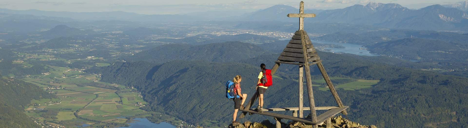 Wandern auf der Gerlitzen am Alpe-Adria-Trail in der Region Villach