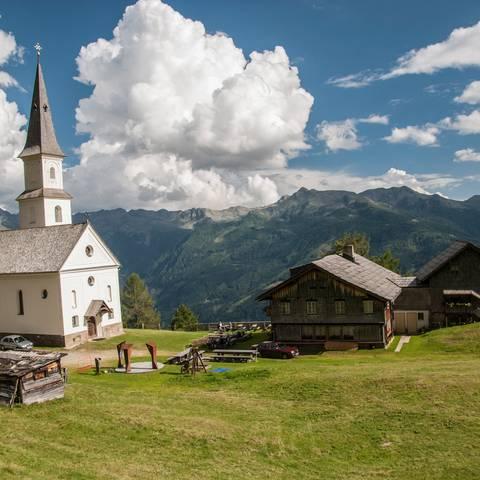 Rangersdorf mit der Wallfahrtskirche Marterle in der Nationalpark-Region Hohe Tauern