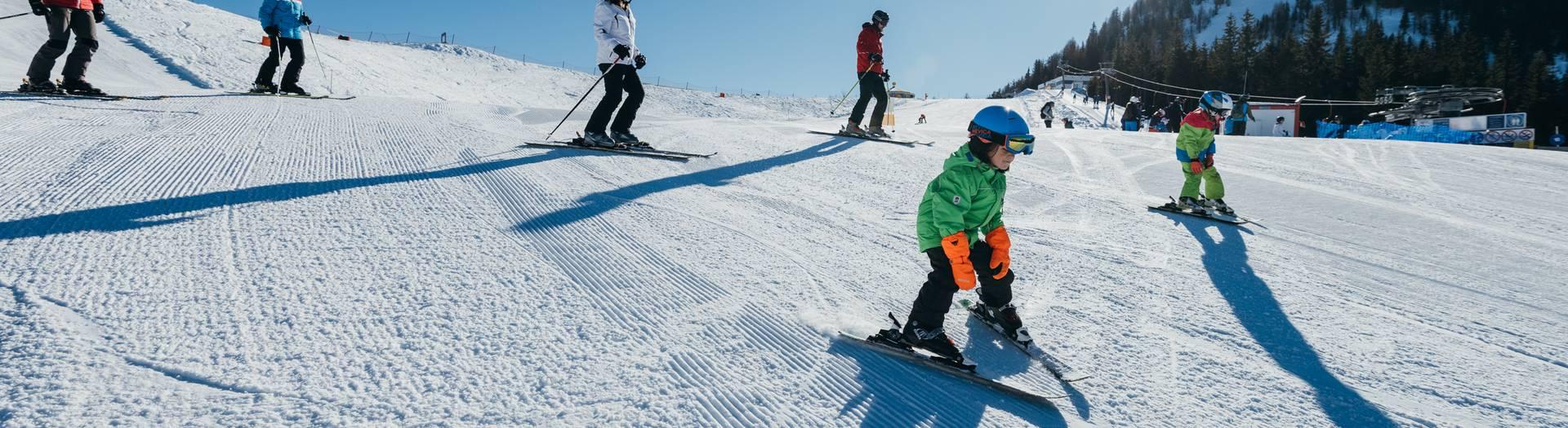 Goldeck Kinderland Kids beim Skifahren
